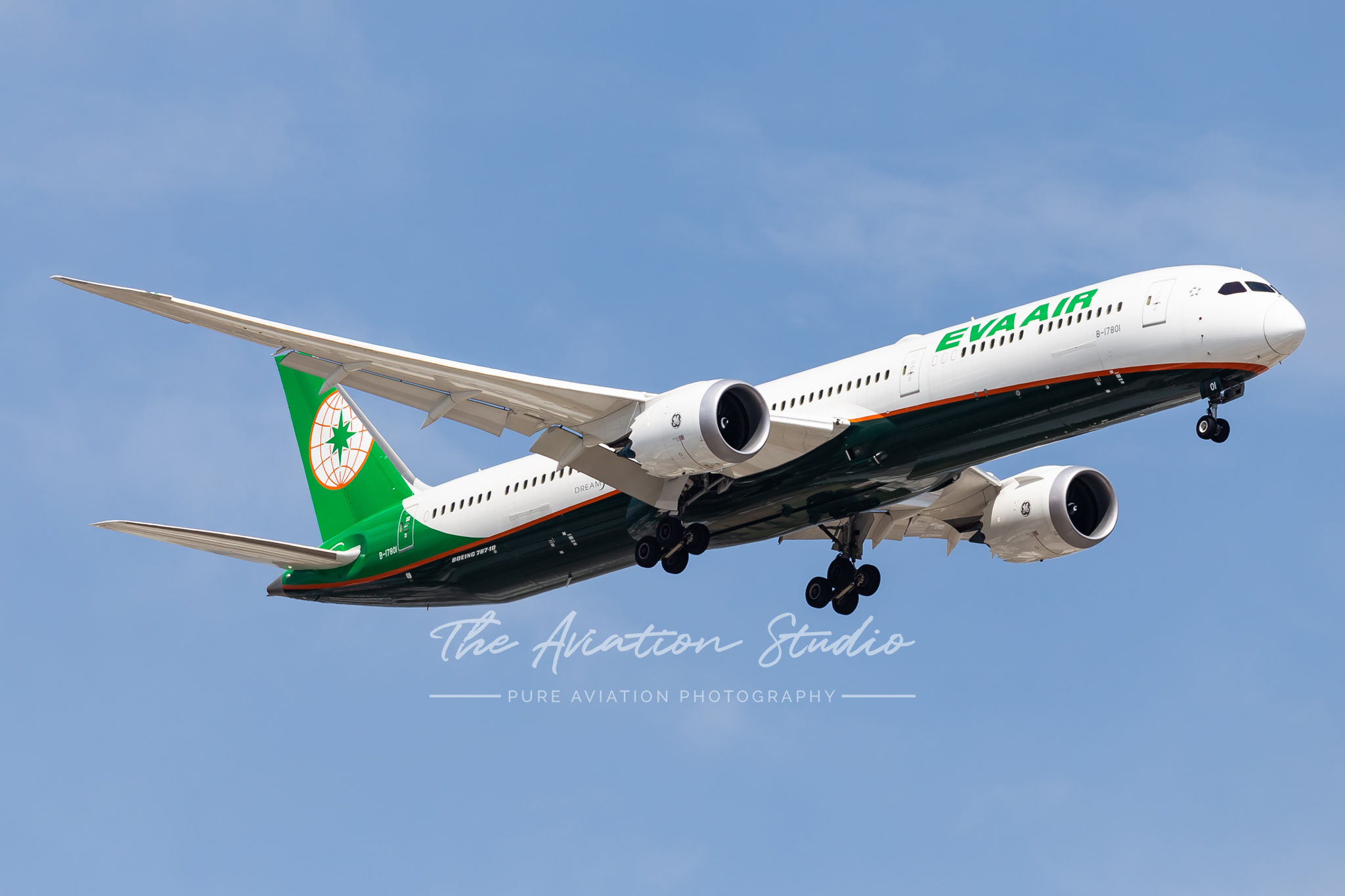 Boeing 787-10 arriving at Brisbane Airport