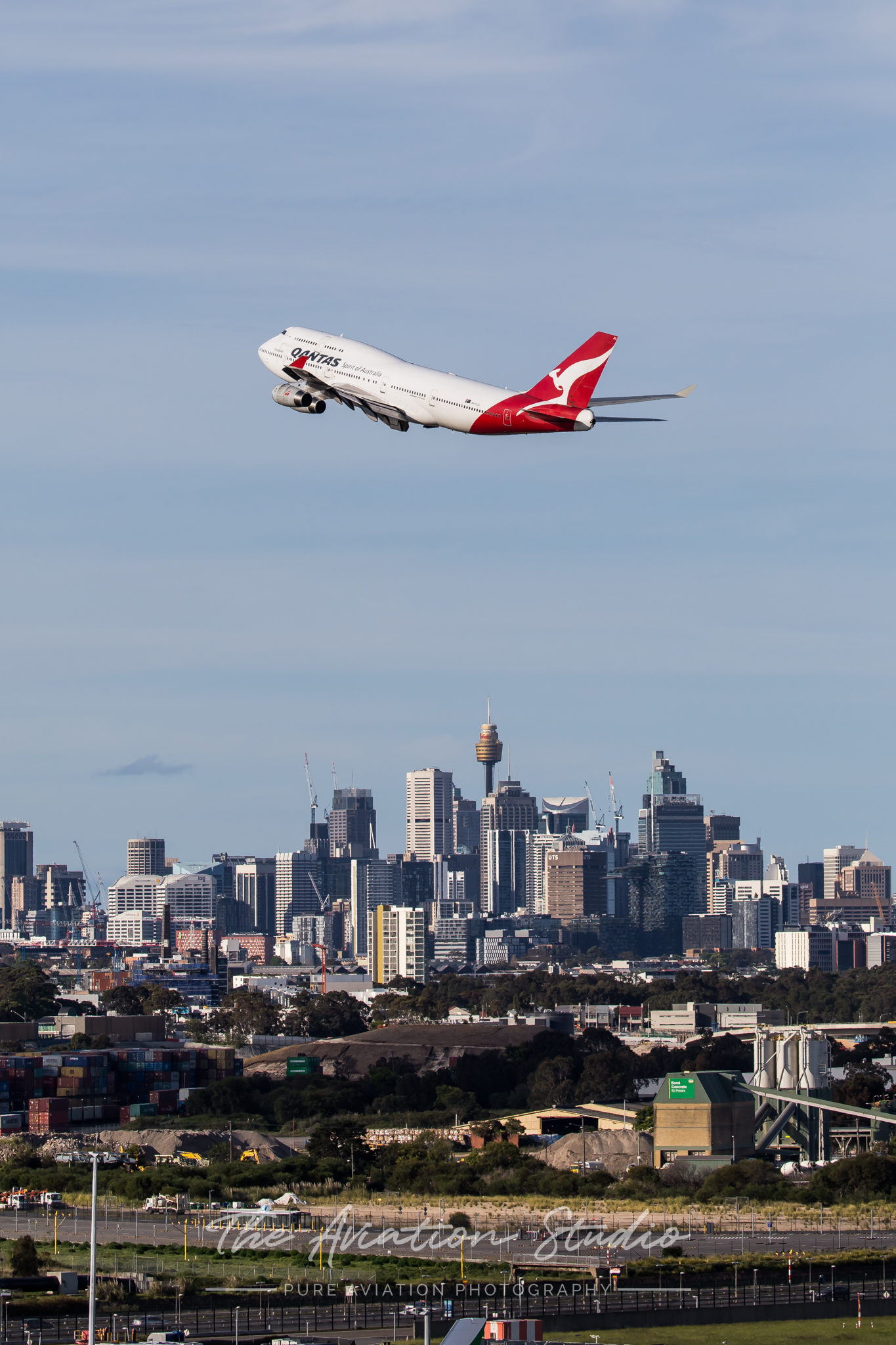 Qantas 747-400 VH-OJU departs Australia for the last time (Image: Rory Delaney)