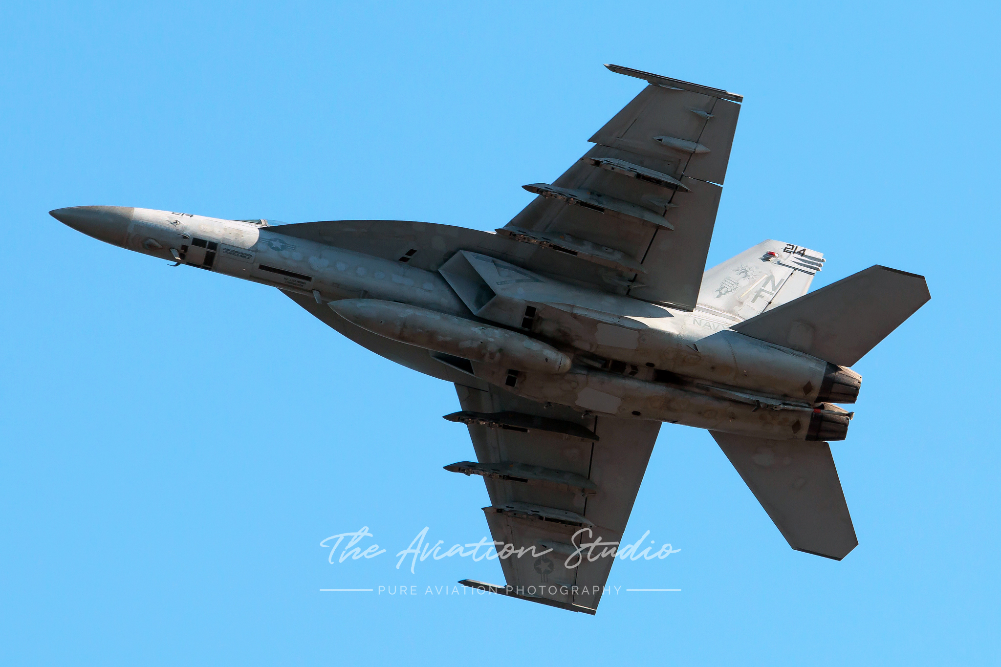 "A Boeing F/A-18E Super Hornet, 168466, belonging to the VFA-27 ""Royal Maces"" (Image: Brock Little)"