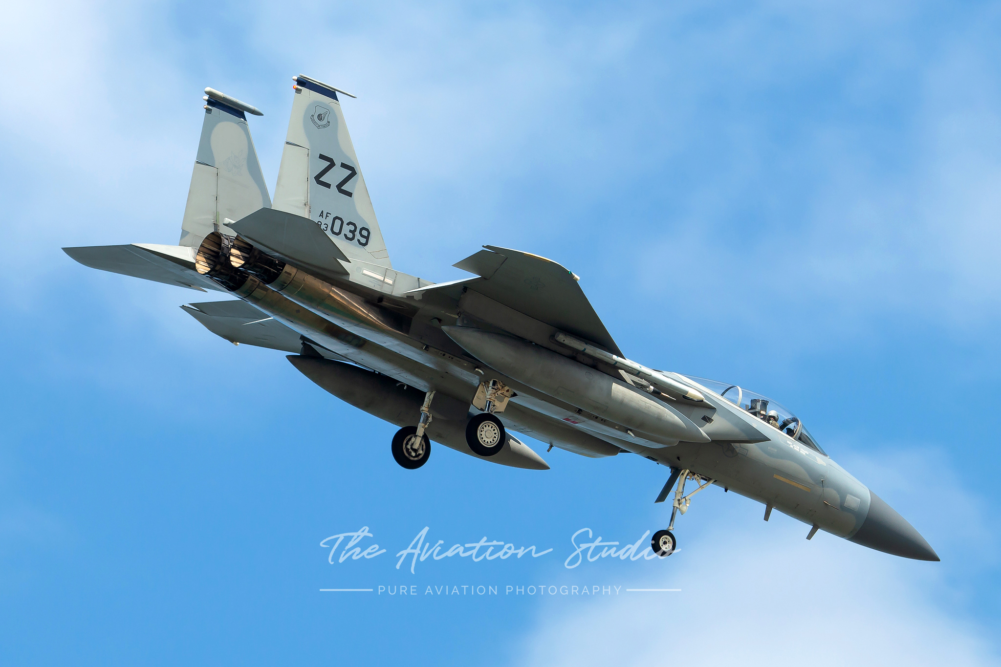 A closer look at McDonnell Douglas F-15C Eagle 83-0039 as it lines up for approach to RWY05R (Image: Brock Little)