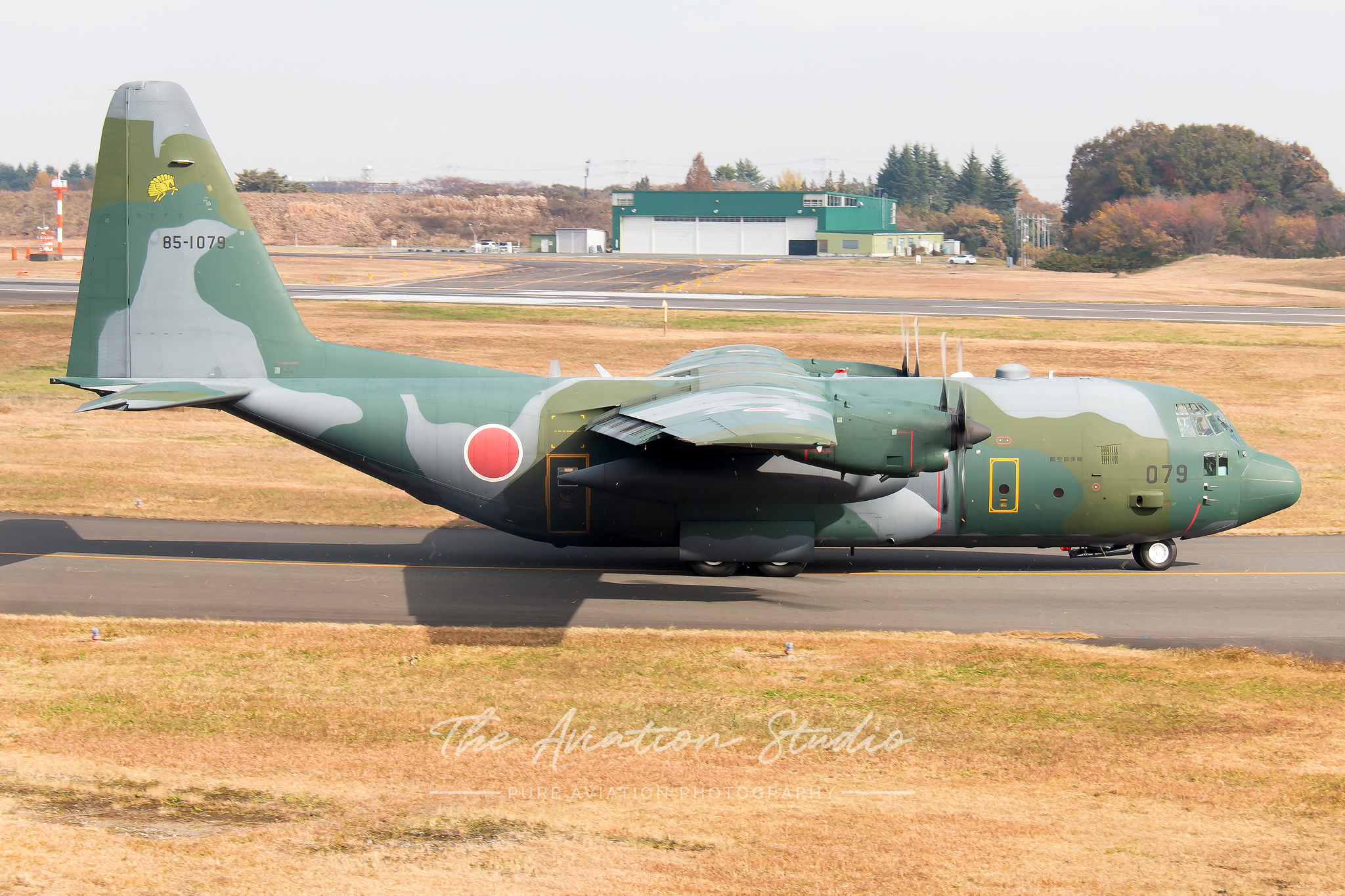 Lockheed C-130H Hercules 85-1078 taxiing at Iruma (Image: Brock Little)