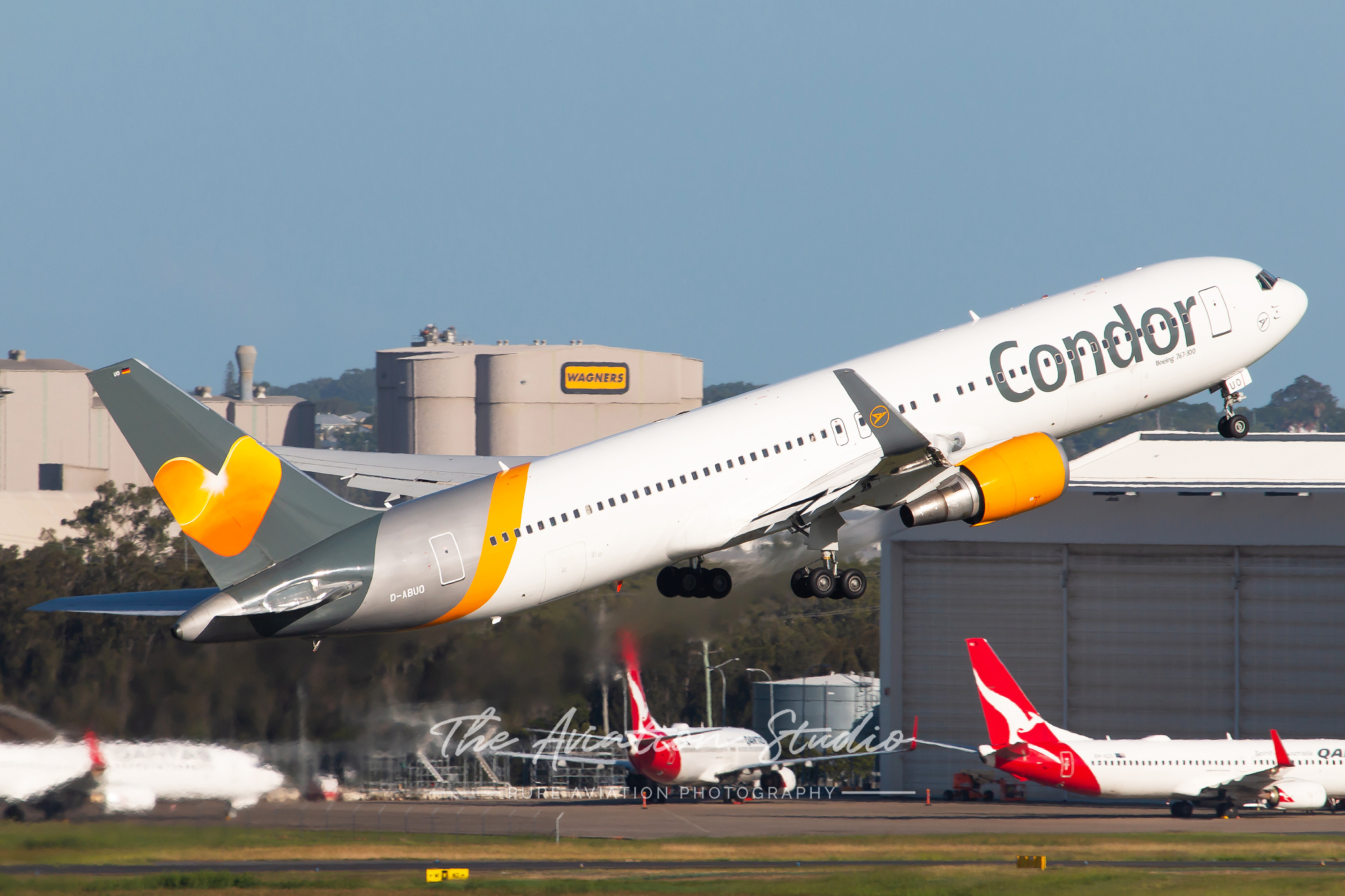 Condor Boeing 767-300ER D-ABUO taking to the skies from Brisbane (Image: Brock Little)