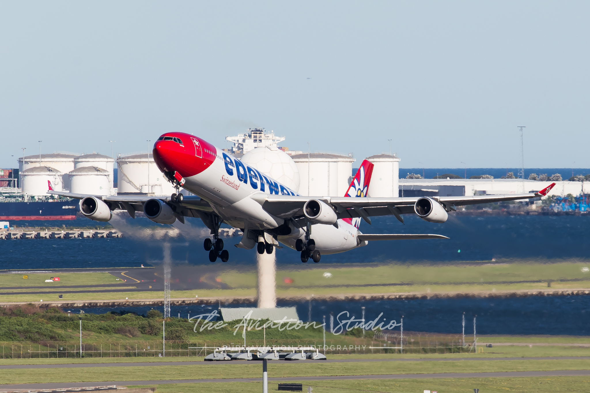 Edelweiss Air Airbus A340-300 HB-JMF taking off from Sydney (Image: Rory Delaney)