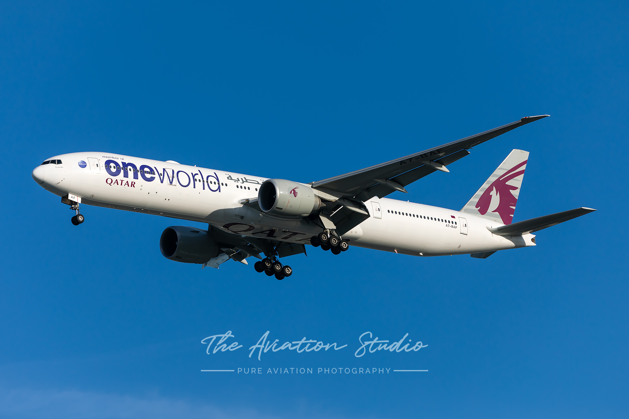 Qatar Airways 777-300ER A7-BAM in the Oneworld livery about to land at Brisbane Photo: Lance Broad