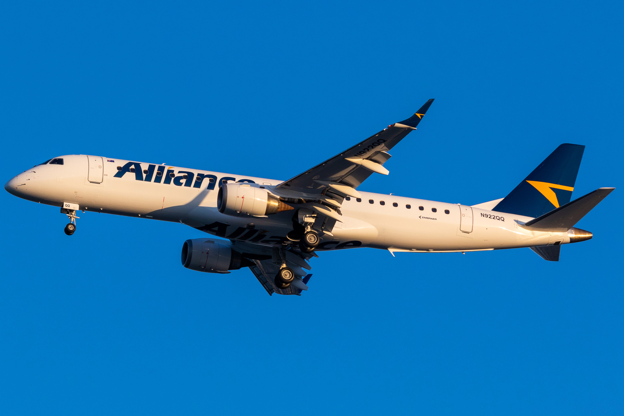 Alliance Airlines Receives First Embraer 190
