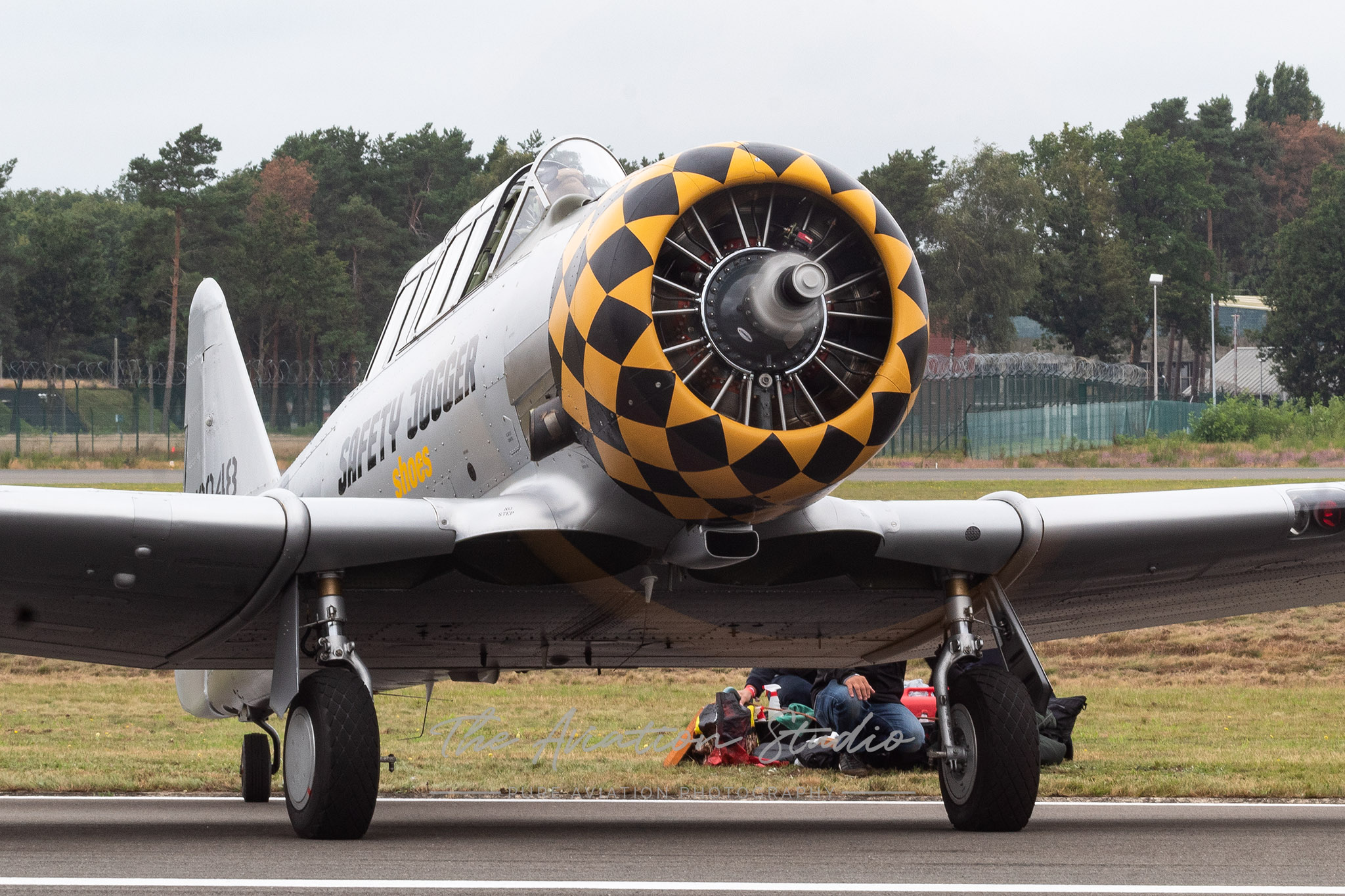 """North American AT-6D Texan OO-JOY """"Safety Jogger Shoes"""" at Spottersday Kleine Brogel 2021"""
